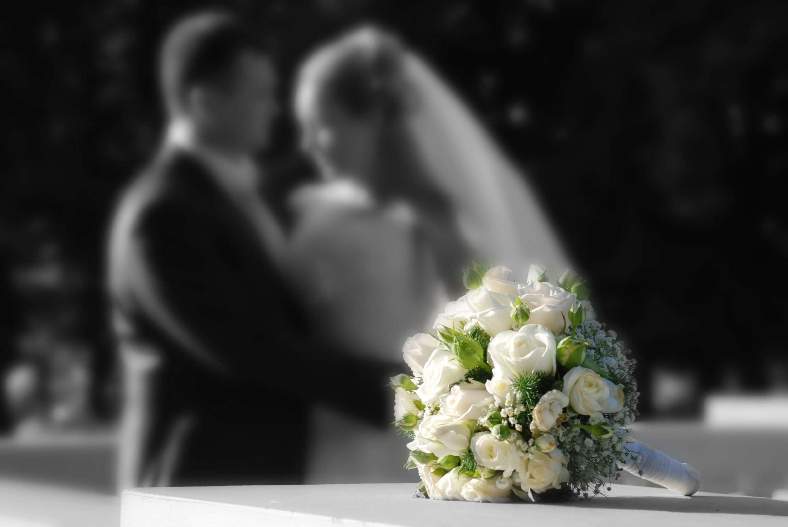 Dept_Weddings__Bouquet_Couple_BWColor